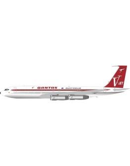 Boeing 707-300 Qantas VH-EAI With Stand