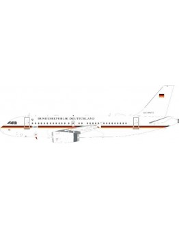 Airbus A319-133CJ German Air Force 15+01 With Stand