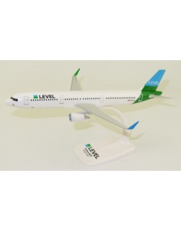 Airbus A321 Level OE-LCN